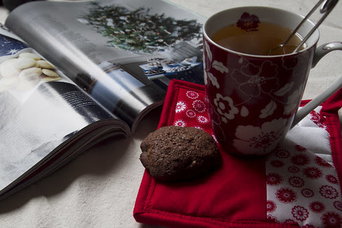 tea and cookie