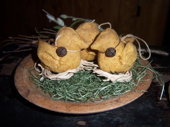 Primitive Easter Chick on Nest Ornament Bowl Fillers