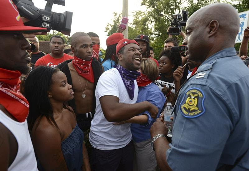 http://www.theclinic.cl/wp-content/uploads/2014/08/Protestas-Ferguson-10-EFE-.jpg.jpg