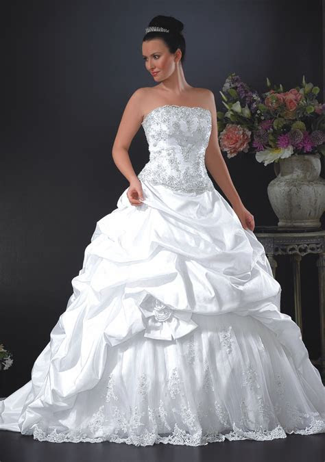 Whats The Average Cost Of A Wedding Dress Easy Weddings