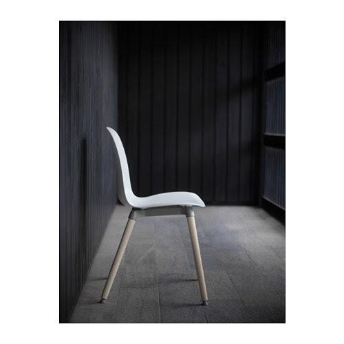 LEIFARNE Stol IKEA Du sitter bekvämt tack vare den rogivande svikten i den skålade sitsen och den formade ryggen.