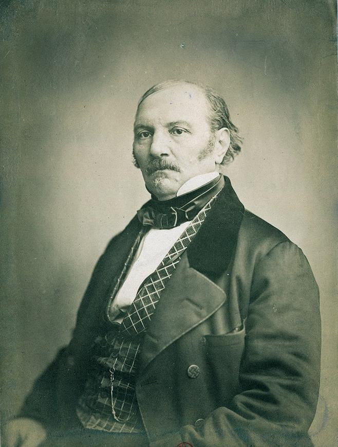https://upload.wikimedia.org/wikipedia/commons/thumb/4/46/Photo_Kardec.jpg/800px-Photo_Kardec.jpg