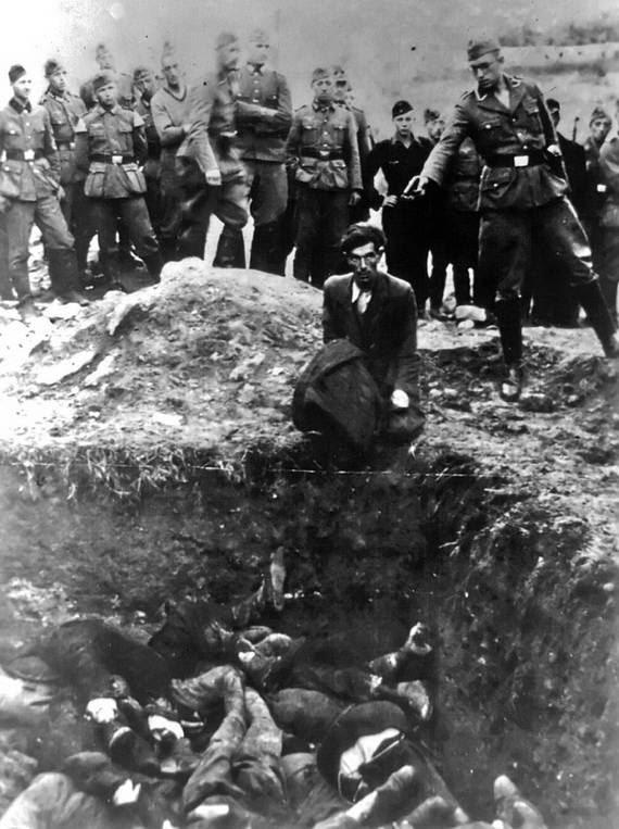 World- War- 2- Holocaust- Memorial- Day _36