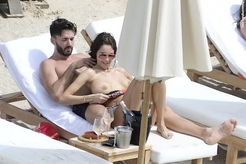 Nabilla Benattia Nude Pics (@Tumblr) | Top 12 Hottest