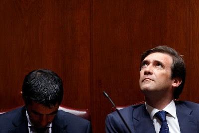 Execução orçamental de 2011 mostra que Vítor Gaspar e Passos Coelho erraram nas contas e nas previsões - Foto de José Sena Goulão/Lusa