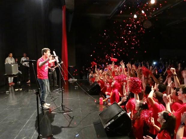 Henrique é vocalista de uma banda que se apresenta em festivais da escola Etapa (Foto: Arquivo Colégio Etapa)