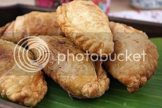 Sugar & Everything Nice: Chicken Curry Puffs