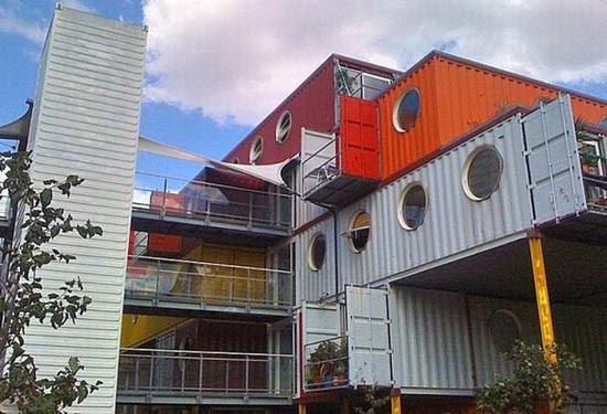 Εντυπωσιακές κατασκευές με containers (2)