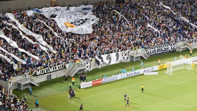 Jogadores do ABC comemoram gol (Foto: Augusto Gomes/GloboEsporte.com)
