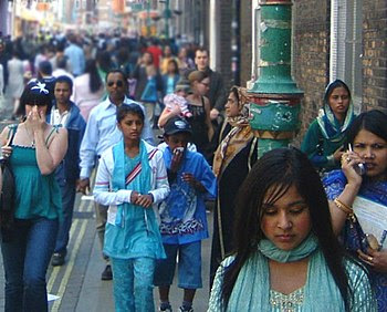English: More crowds on Brick Lane