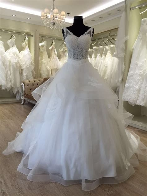 Beautiful Princess V Neck Wedding Dresses In Turkey