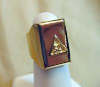 Custom gold ring made by Payne's Custom Jewelry