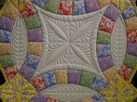 Double Wedding Ring Quilt   Machine quilting! Amazing