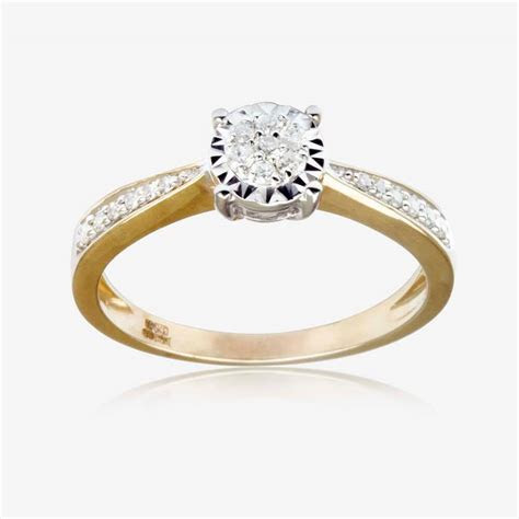 Round Cut 9ct Gold Diamond Ring