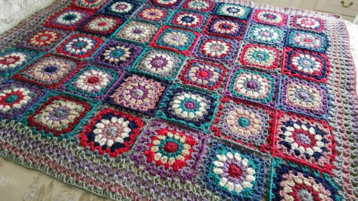 Flower Power blanket crochet along Crafternoon Treats