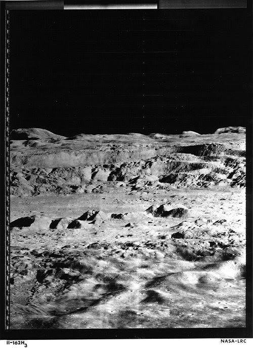 Nov06-1966-LunarOrbiter2
