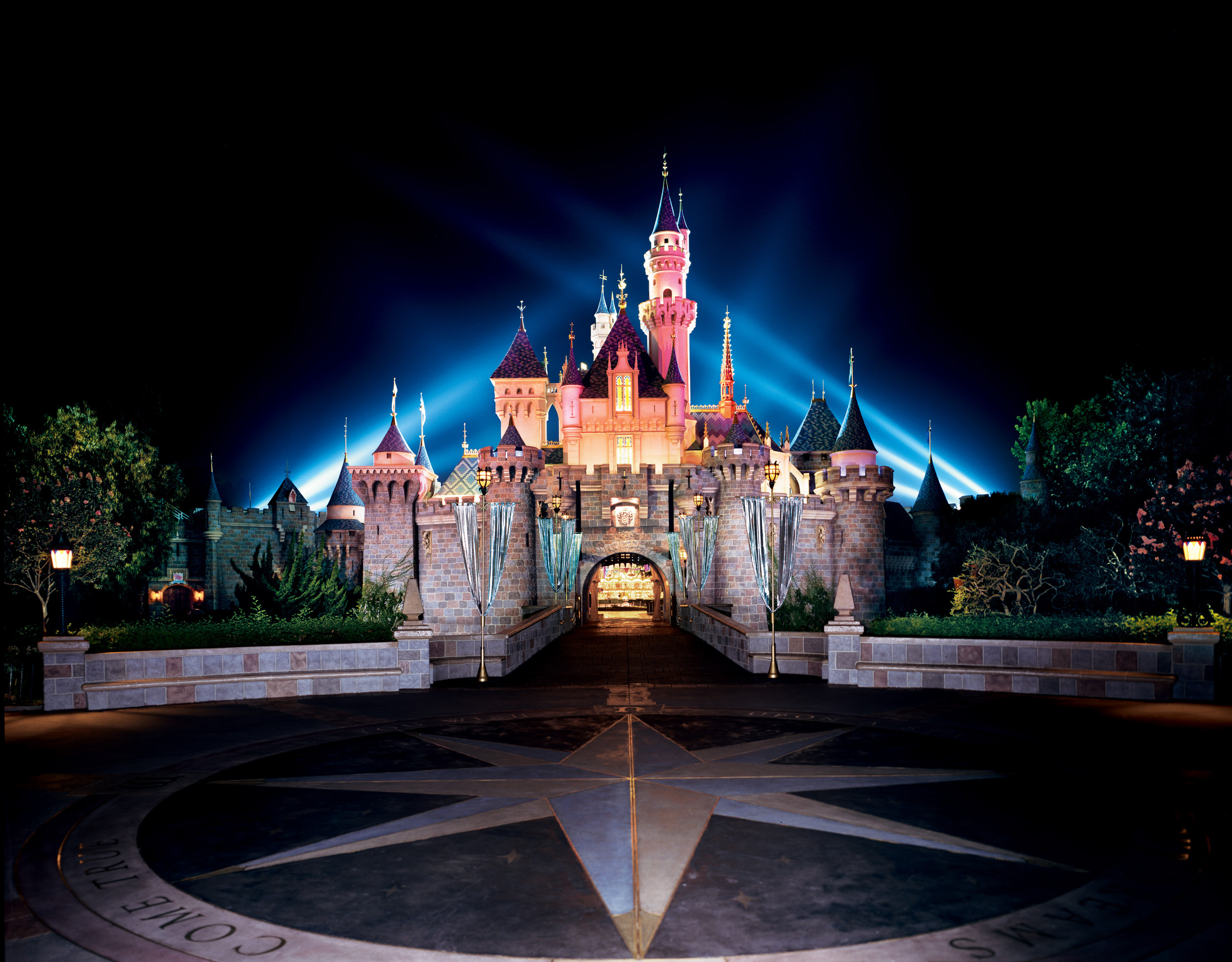 Planning a Disneyland Resort Vacation  The Affordable Mouse