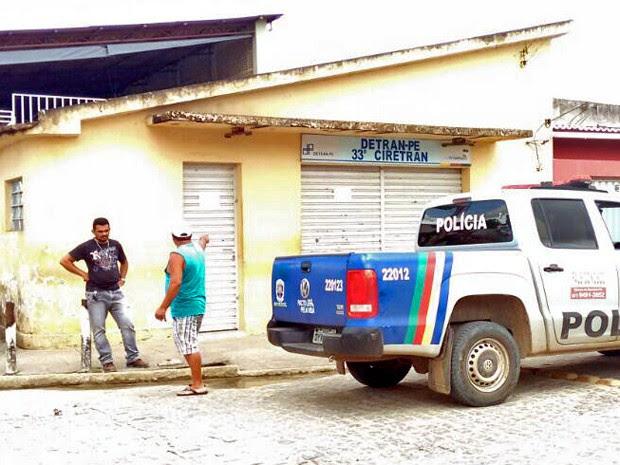 Ciretran em Itambé foi assaltada nesta terça (9) (Foto: Josemar Rodrigues / Enviado pelo Whatsapp)