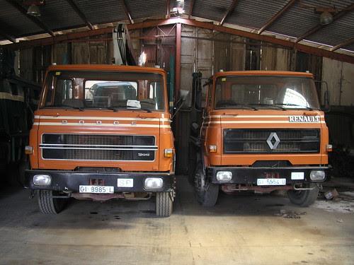 camions Dodge de l'empresa TRANSPORTS RIBAS de Tossa de Mar (Girona)
