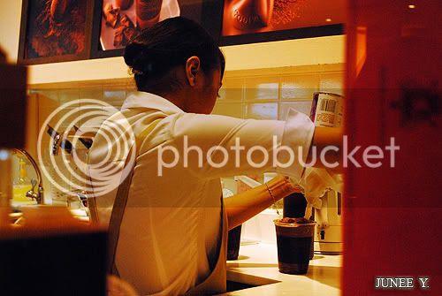 http://i599.photobucket.com/albums/tt74/yjunee/blogger/DSC_0976.jpg?t=1255343438