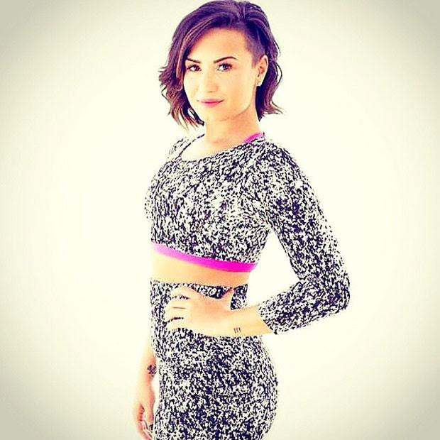 Demi mostrou a boa forma para revista (Foto: Instagram)