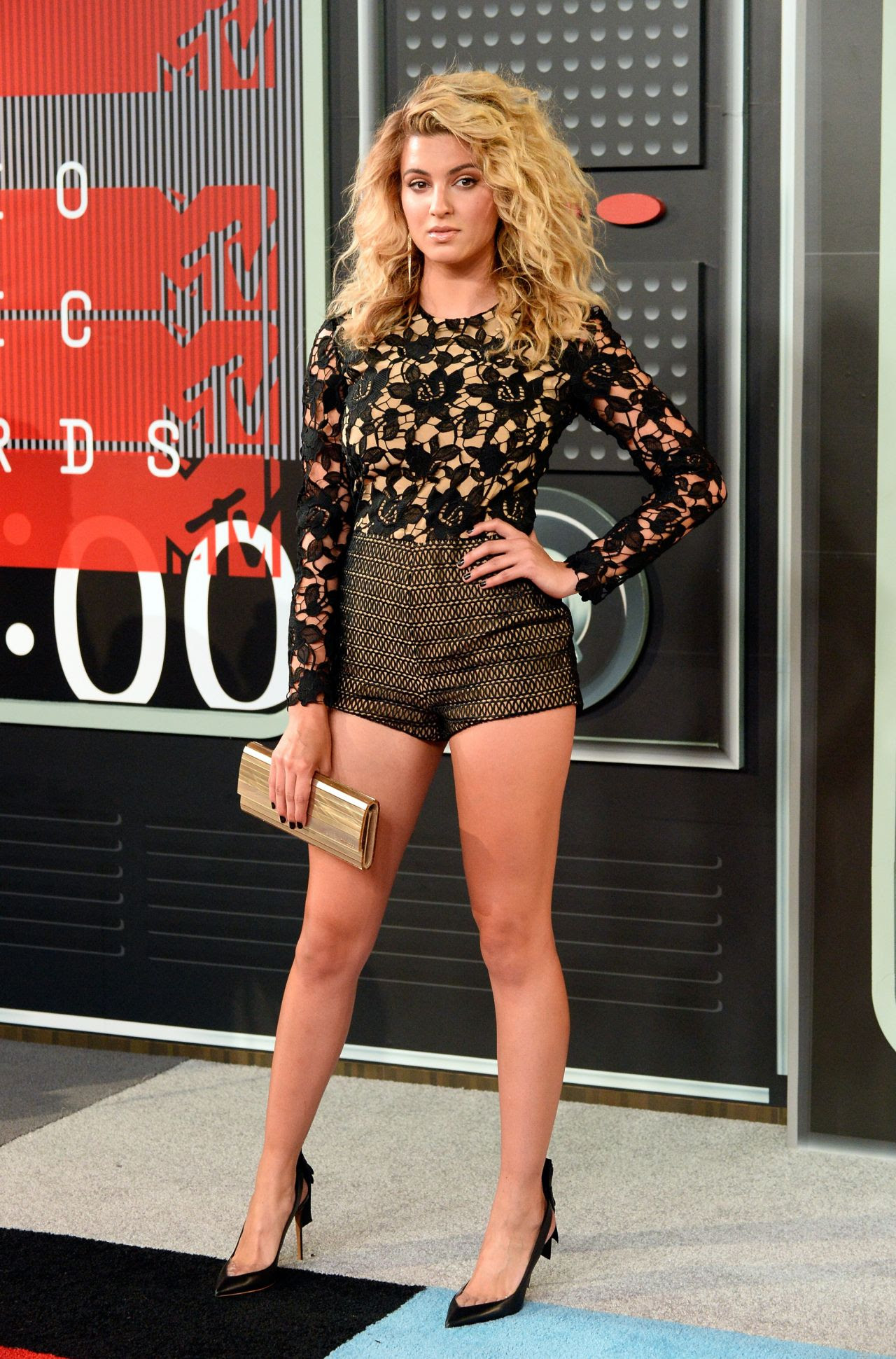 http://celebmafia.com/wp-content/uploads/2015/08/tori-kelly-2015-mtv-video-music-awards-at-microsoft-theater-in-los-angeles_2.jpg