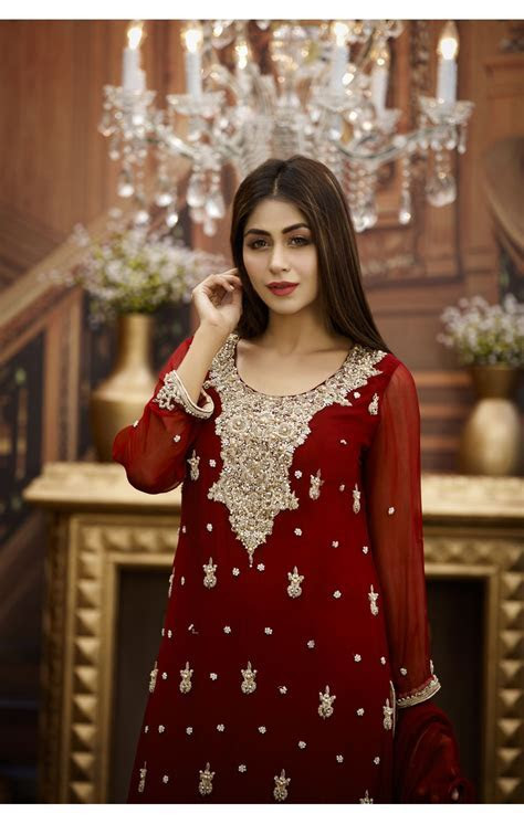 EXCLUSIVE MAROON AND GOLDEN BRIDAL WEAR   G16464