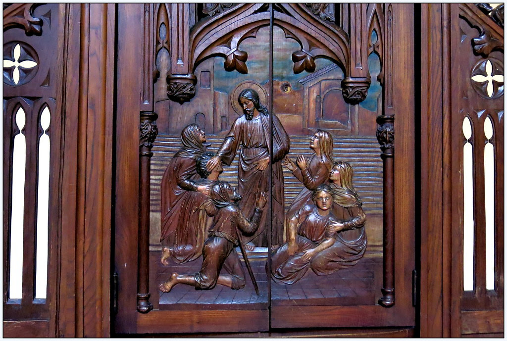 El tiempo por s mismo madera tallada puertas de for Fotos de puertas de madera antiguas