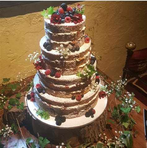 Naked Cakes and Buttercream Cakes