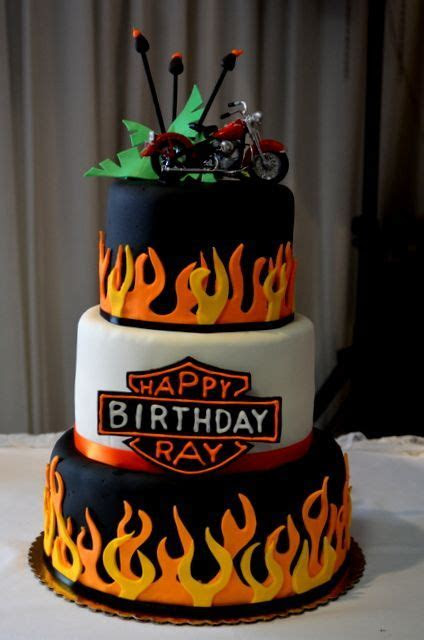 25  best ideas about Harley Davidson Cake on Pinterest