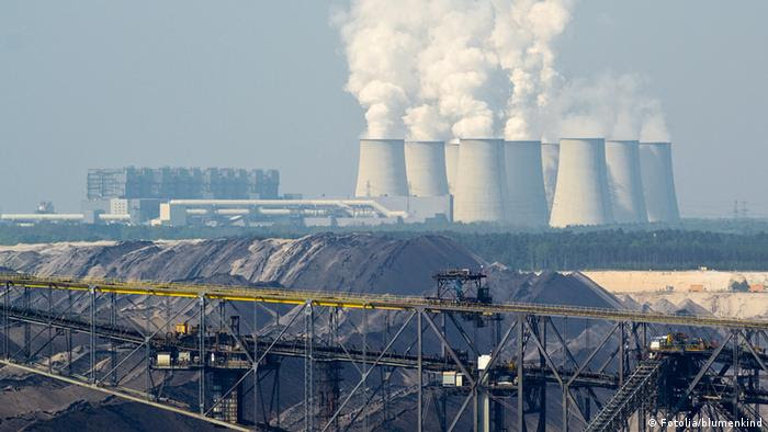http://www.dw.de/german-region-backs-brown-coal-despite-renewables-drive/a-17680488