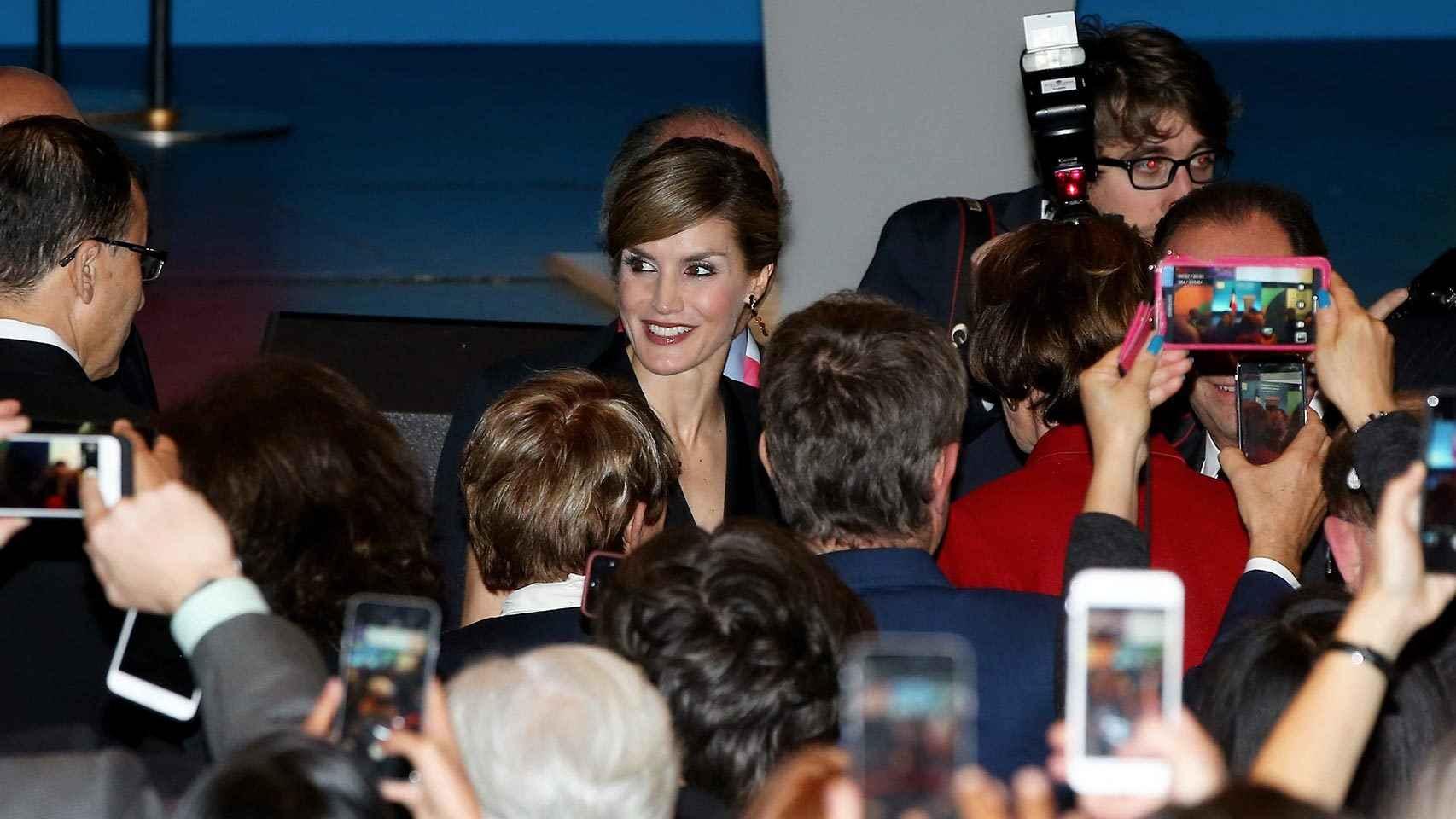 La reina Letizia en el Congreso Mundial del Cáncer en París.