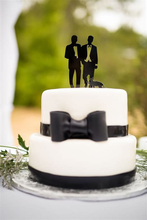 Cool Cake Toppers: From the Simple to the Simply Divine