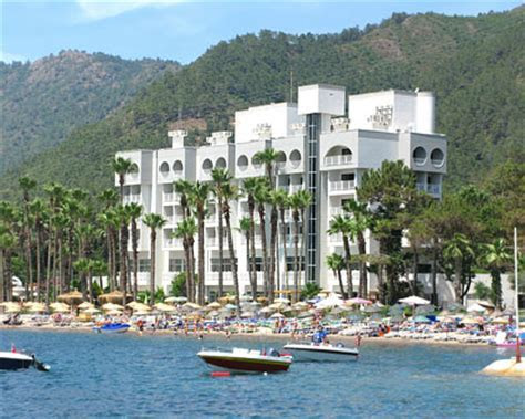 Island Hotels   Tropical Island Hotel