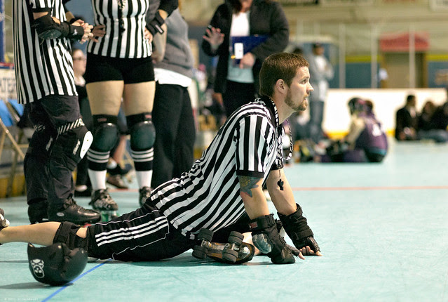 even refs need to strech before the big bout