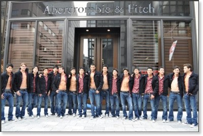 http://www.fashionsnap.com/news/2009/12/gallery/abercrombie-fitch-ginza-store-models.html?photo=3
