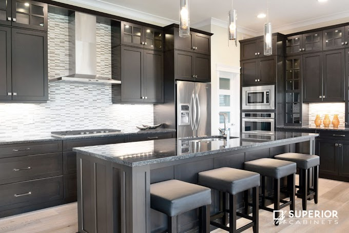 Kitchen Cabinet Colors 2017 : Choices of Kitchen Floors with White VS Dark Cabinets - With all these color ideas for painting kitchen cabinets, i've included a full list for you with plenty of photos to kitchen cabinet color trends have come a long way from being very monochromatic.