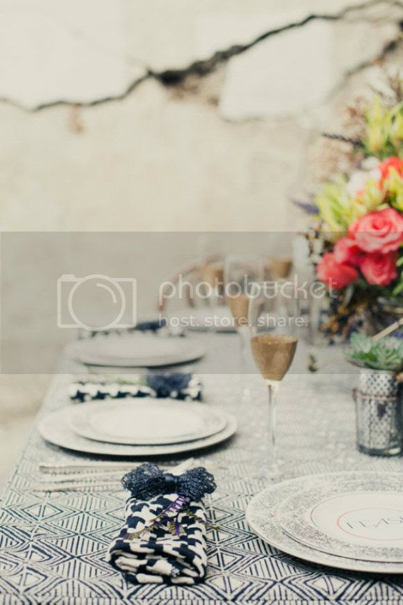 blue tablescape wedding