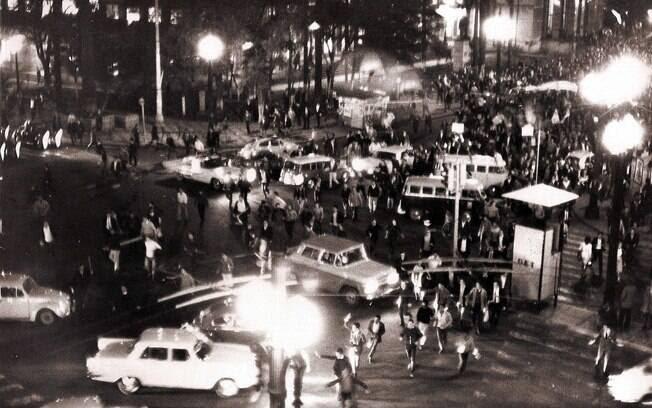 Estudantes saíram às ruas em vários Estados e foram violentamente reprimidos. Foto: Arquivo Brasil Nunca Mais