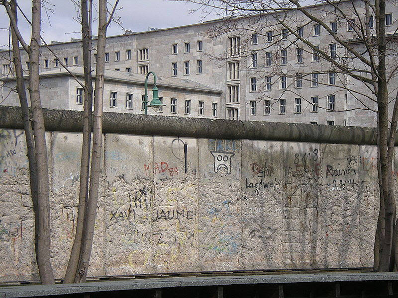File:Berlin Wall April 2005.JPG