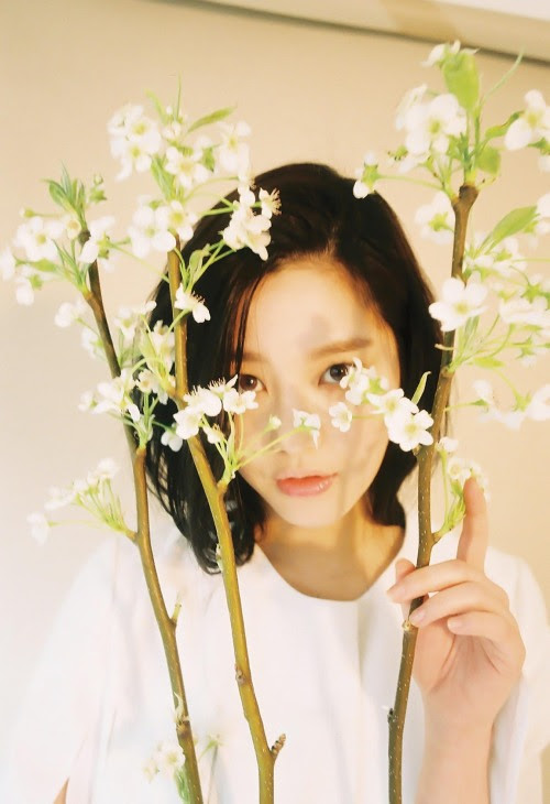 [MAGAZINE] Lee Yoo Bi – InStyle Korea Magazine May Issue '15 1350x1970