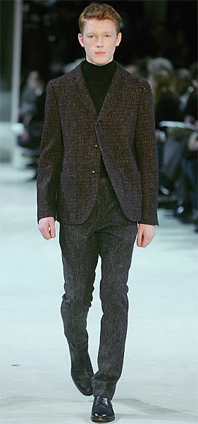 In January 2009 Cerruti presented the second men's wear collection created under the art direction of the Belgian Jean-Paul Knott and the new Cerruti president Florent Perrichon during the Paris Fashion Week.