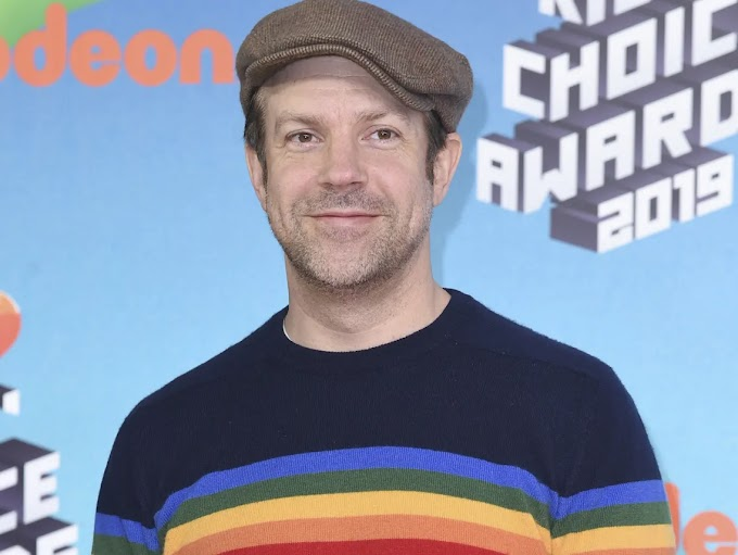 Jason Sudeikis : Comedian Jason Sudeikis Brings Home Fellow Celebs To Help ... / News has learned about the two.