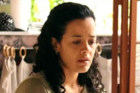 Maeve Jinkings, a Domingas de 'A regra do jogo' (Foto: TV Globo)