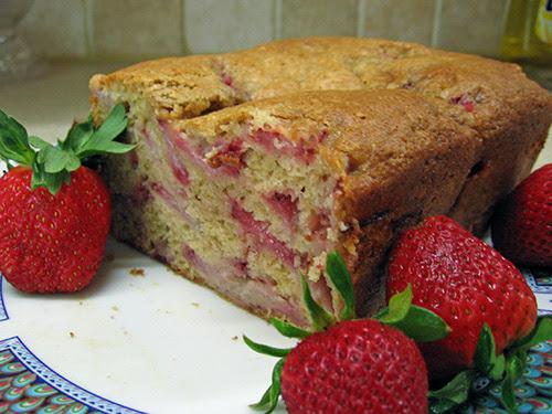 http://gotnomilk.files.wordpress.com/2008/04/strawberry-bread5.jpg
