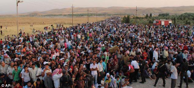 Mais de 2 milhões de refugiados sírios invadiram através das fronteiras do país para a Turquia, Líbano, Jordânia e norte do Iraque desde a guerra civil da Síria espiral fora de controle há um ano