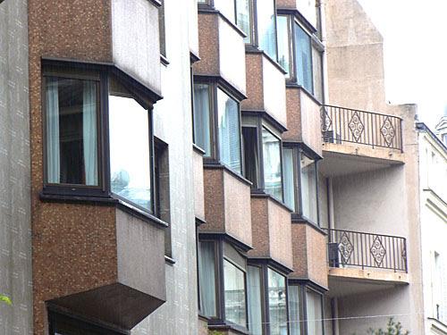 hôtel rouge rue de la tour.jpg