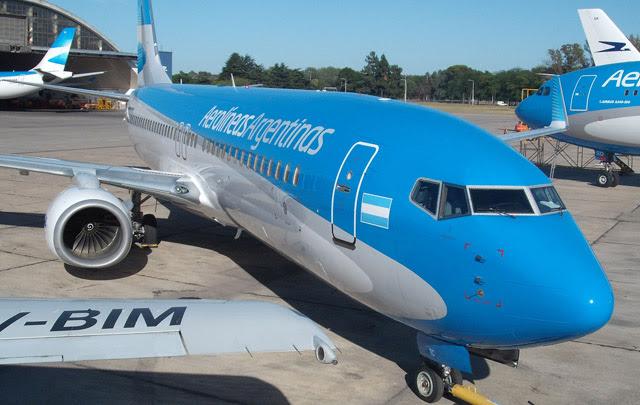 No permiten salir del país vuelos charters que no tengan matrícula argentina
