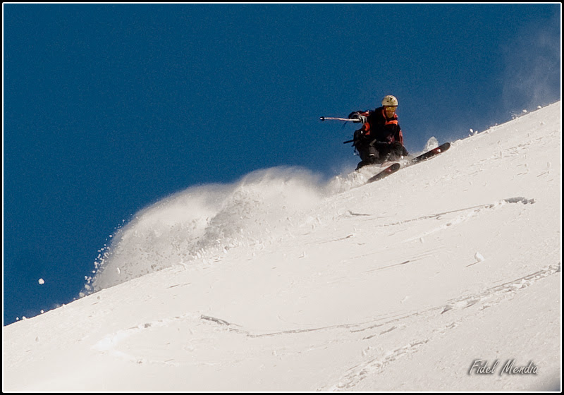 Andoni comienza el descenso de la cara norte del Tablato