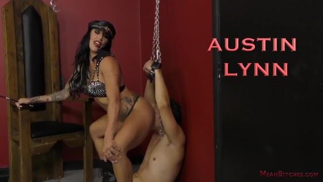 DOMINATRIX AUSTIN LYNN MAKES HER SLAVE WORSHIP HER ASS & FEET - FEMDOM